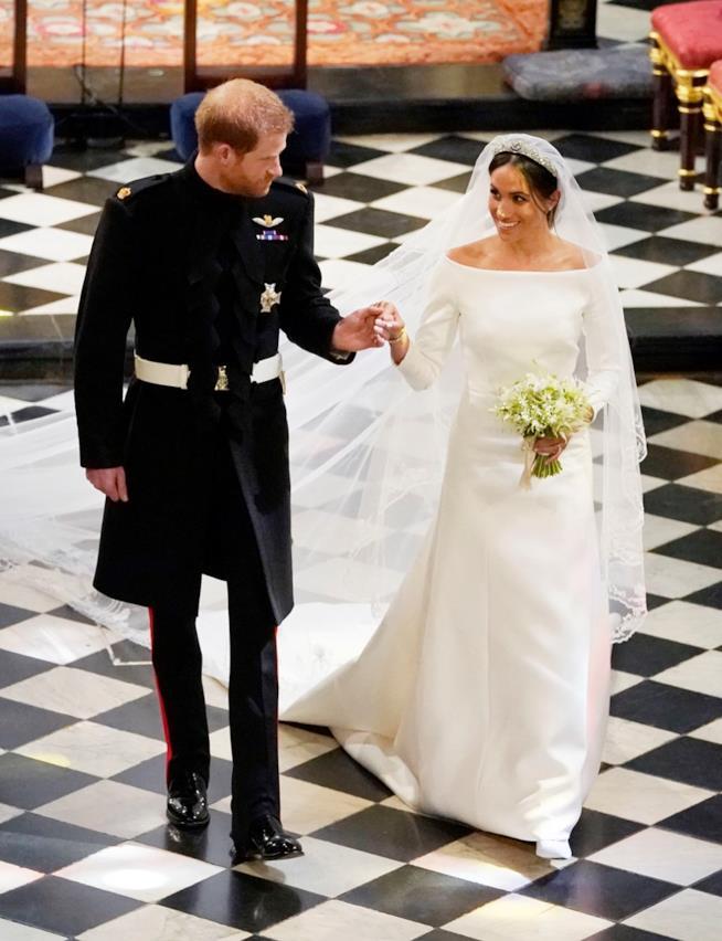 Meghan Markle in abito da sposa con Harry nel giorno delle nozze