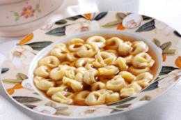 ricetta cappelletti in brodo romagnoli