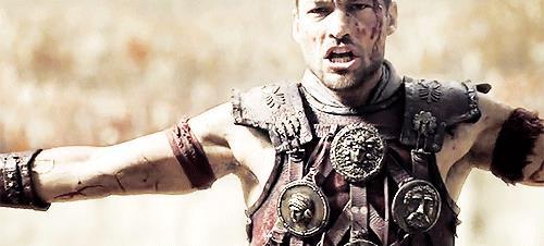 Spartaco in una scena di Spartacus