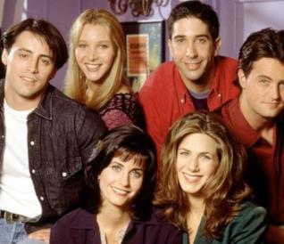 Il cast di Friends nell'appartamento di Monica