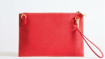 Il brand Dixie predilige le pochette rosso corallo e cipria