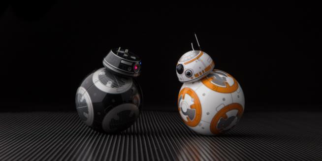 BB-9E e BB-8 si confrontano
