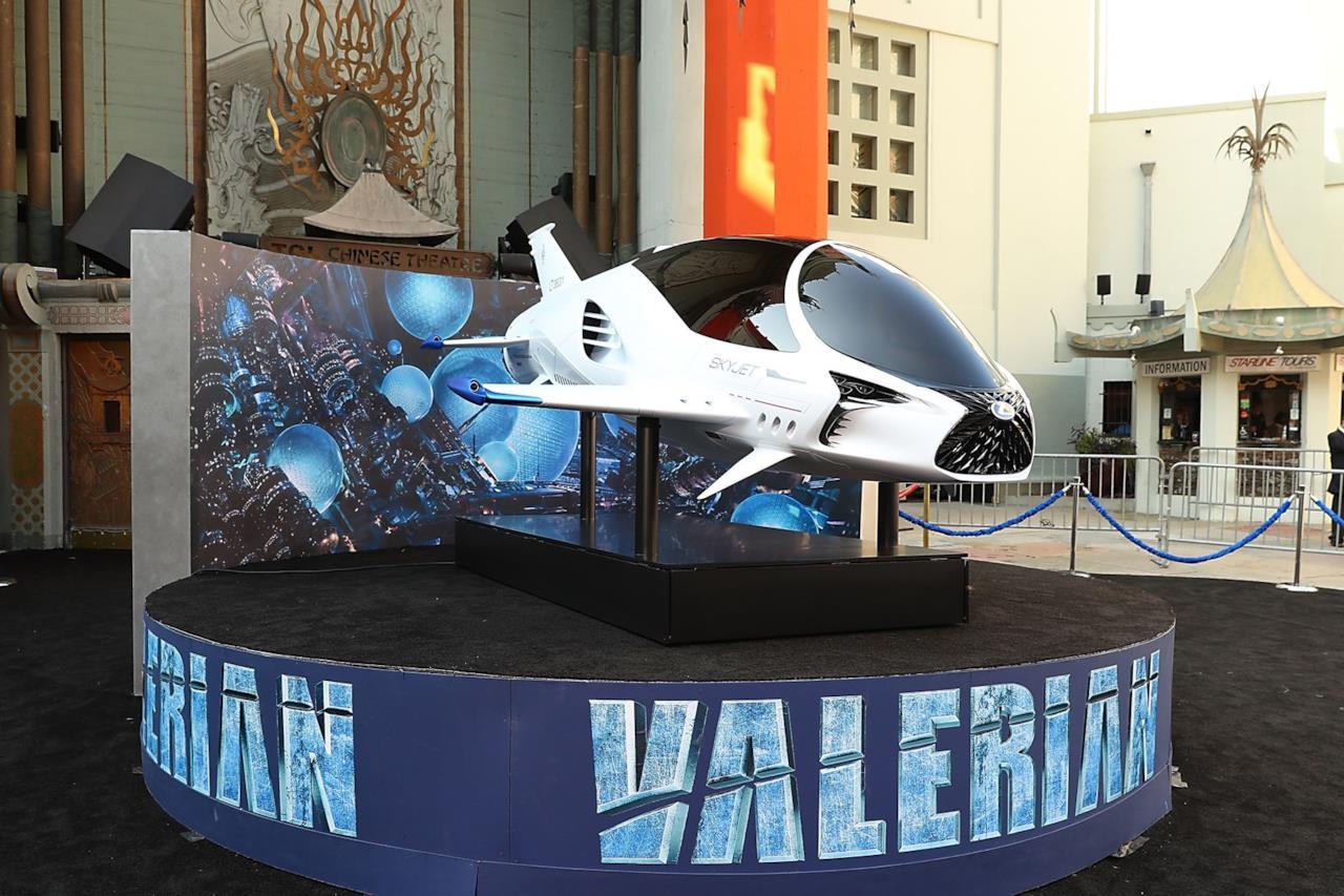 La navicella alla première di Valerian e la città dei mille pianeti