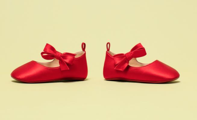 Christian Louboutin  le scarpe per bambini in edizione limitata 6dd0560d664