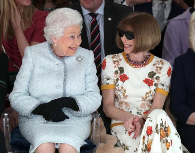 La Regina Elisabetta e Anna Wintour