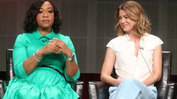 Shonda Rhimes ed Ellen Pompeo durante un'intervista