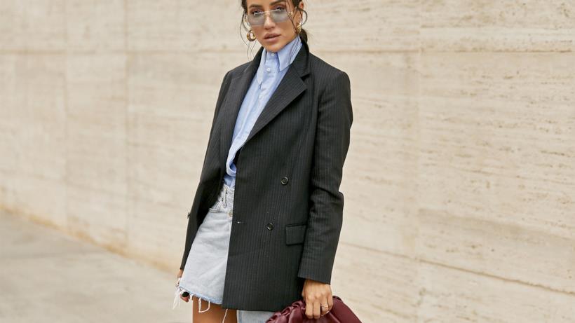 Qualche idea su come abbinare la gonna di jeans in autunno