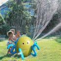 Polipo spruzza acqua