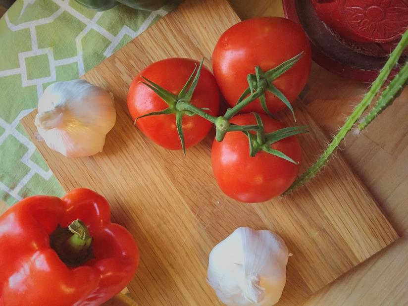 Pomodori e aglio.