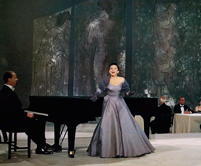 Judy Garland in una scena di È nata una stella