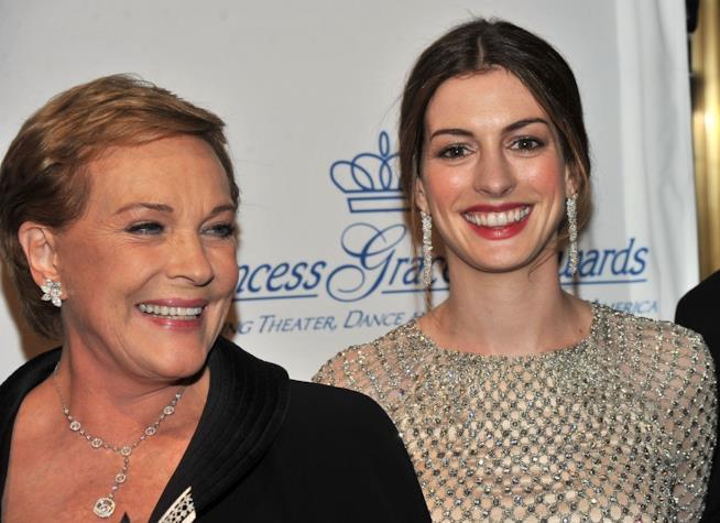 Julie Andrews e Anne Hataway