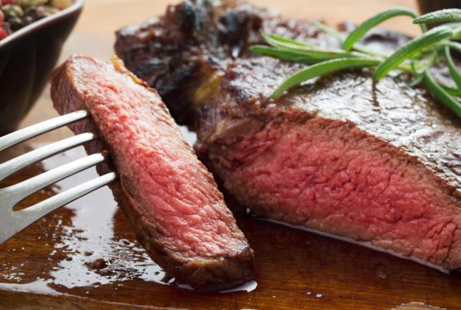 La carne rossa da evitare in estate perché troppo calorica