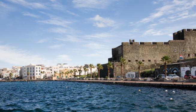 La Balata dei Turchi a Pantelleria, vista dal mare