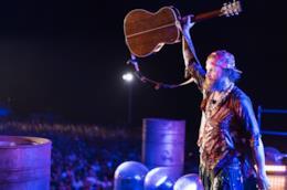 Jovanotti: Jova Beach Party e impegno WWF