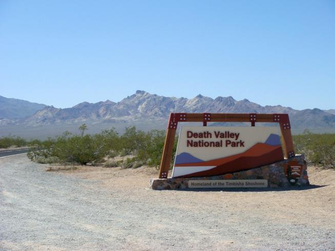 insegna della death valley national park
