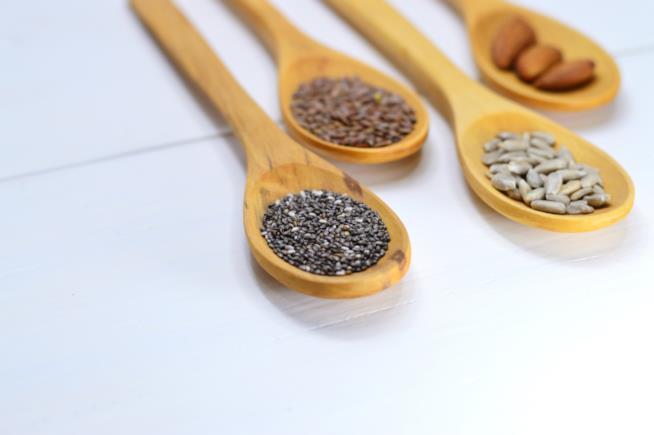 Cucchiai con semi di chia
