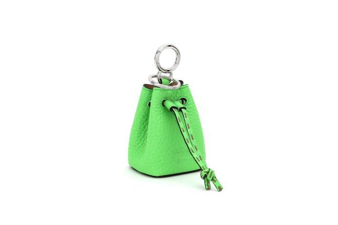 Charm Fendi Roma Amor in pelle verde neon
