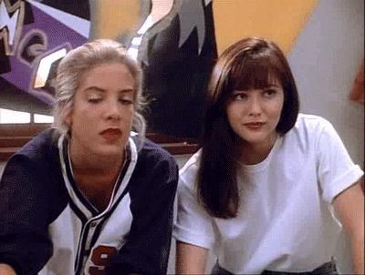Donna e Brenda in un episodio di Beverly Hills 90210