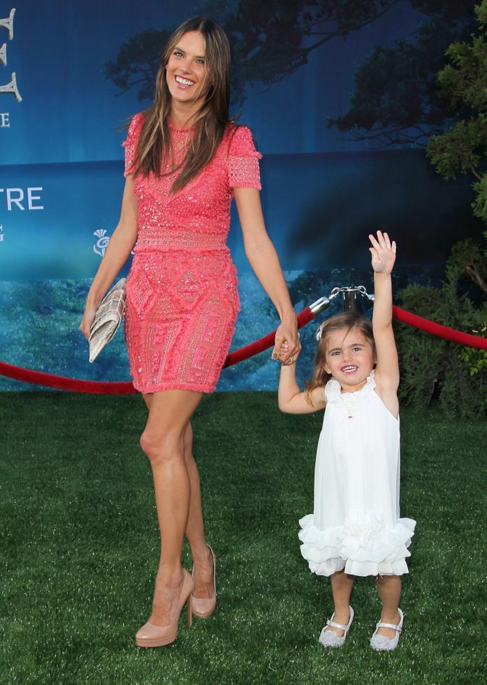 Alessandra Ambrosio con la prima figlia
