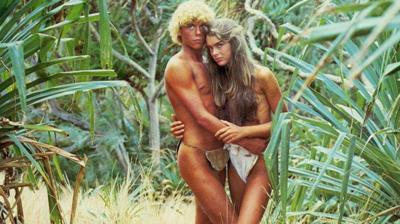 Una immagine dal film Laguna Blu, amore e romanticismo tra le onde del mare