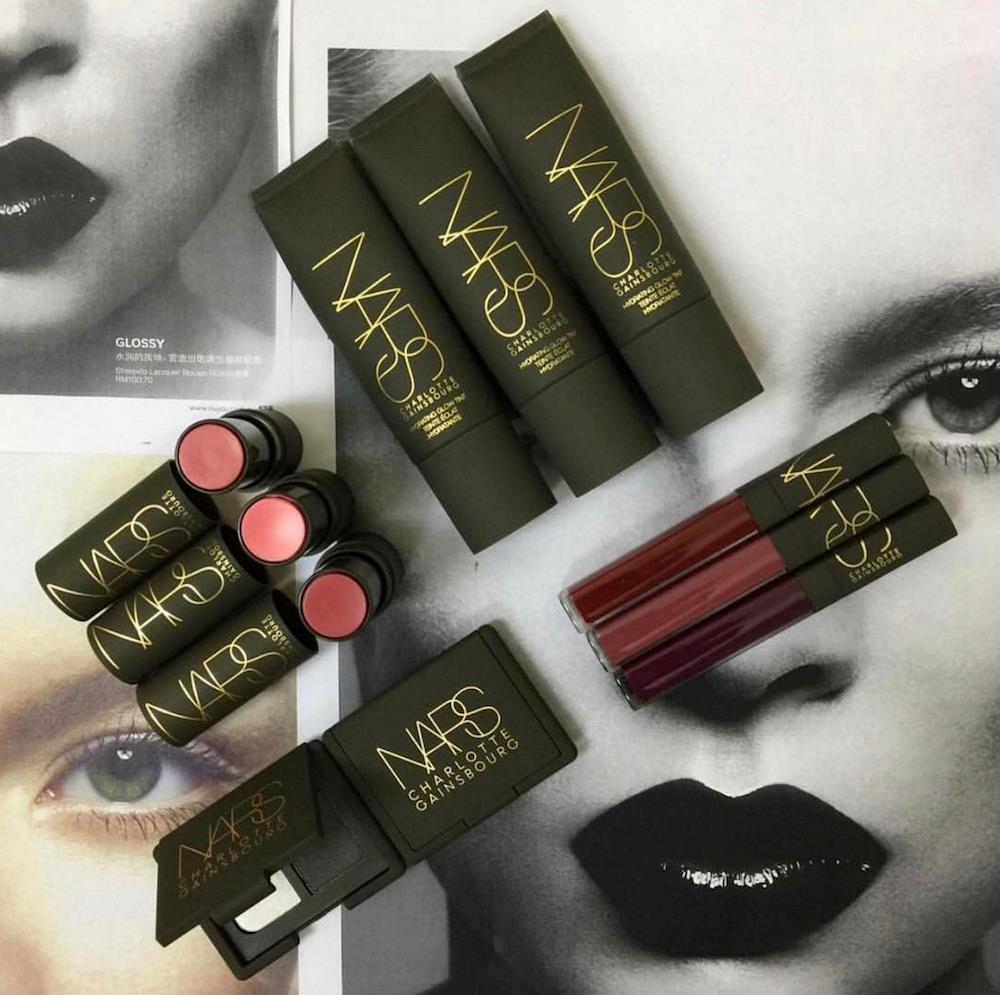 Alcuni prodotti della collezione di Charlotte Gainsbourg per NARS