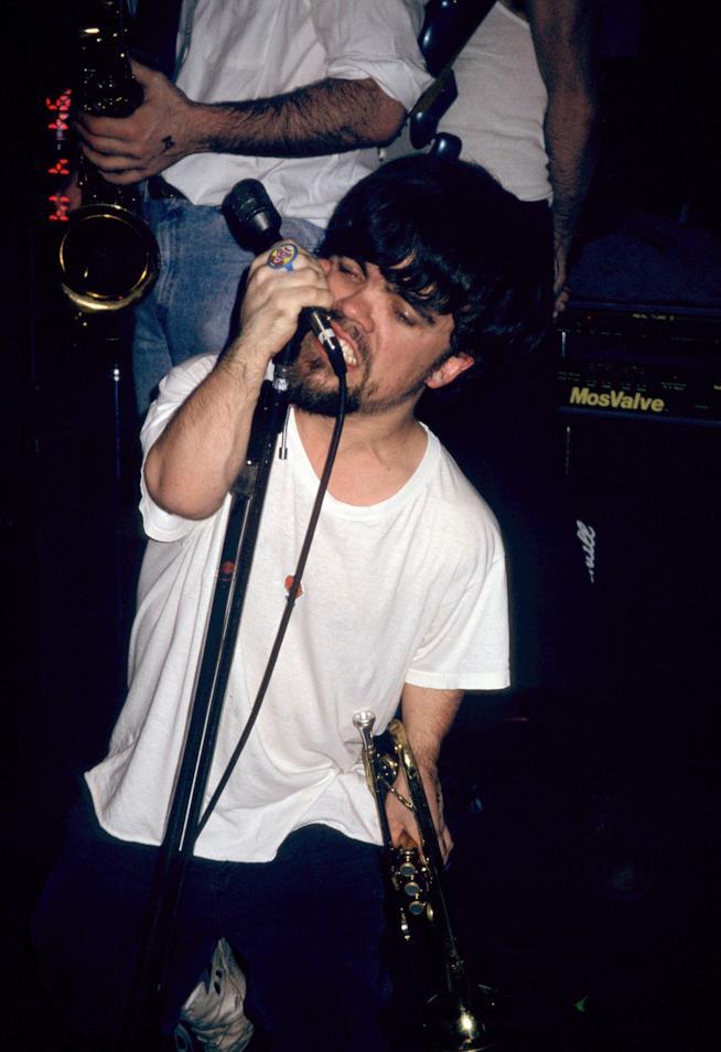 Peter Dinklage vent'anni fa che cantava con passione