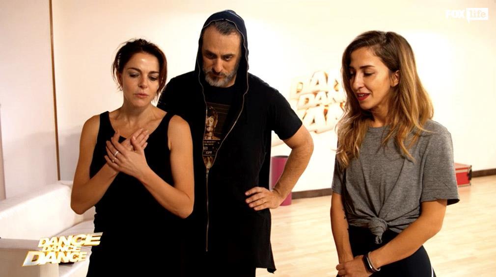 Claudia e Max analizzano la coreografia dell'esibizione di coppia
