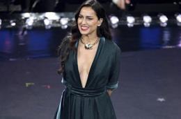L'abito verde petrolio di Syria a Sanremo 2019