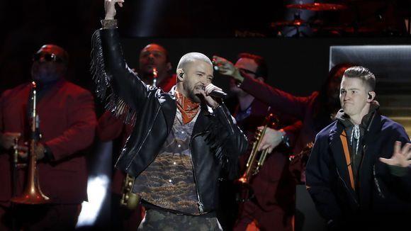 Justin Timberlake sul palco del Super Bowl