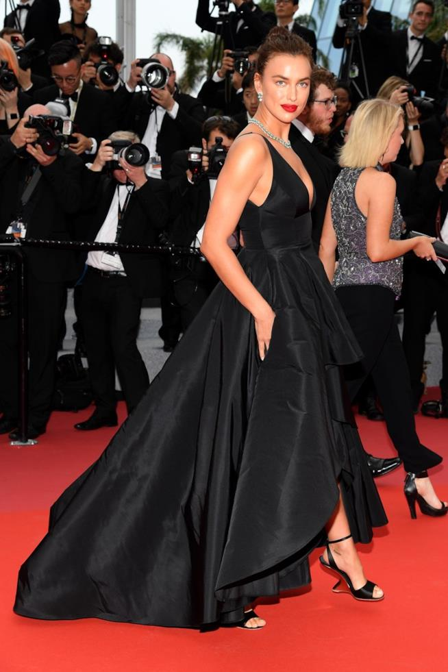 Irina Shayk sul red carpet