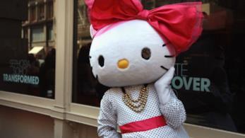 Hello Kitty, primo caffè