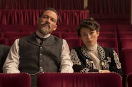 Nel film di Wash Westmoreland West e Knightley sono marito e moglie