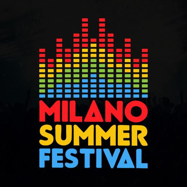 La scritta Milano Summer Festival su sfondo nero
