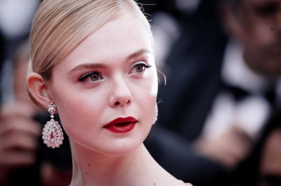 Elle Fanning sul red carpet di Cannes 2019