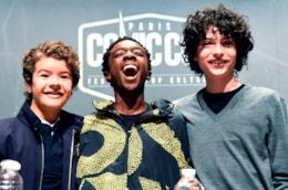 Gaten Matarazzo, Caleb McLaughlin e Finn Wolfhard