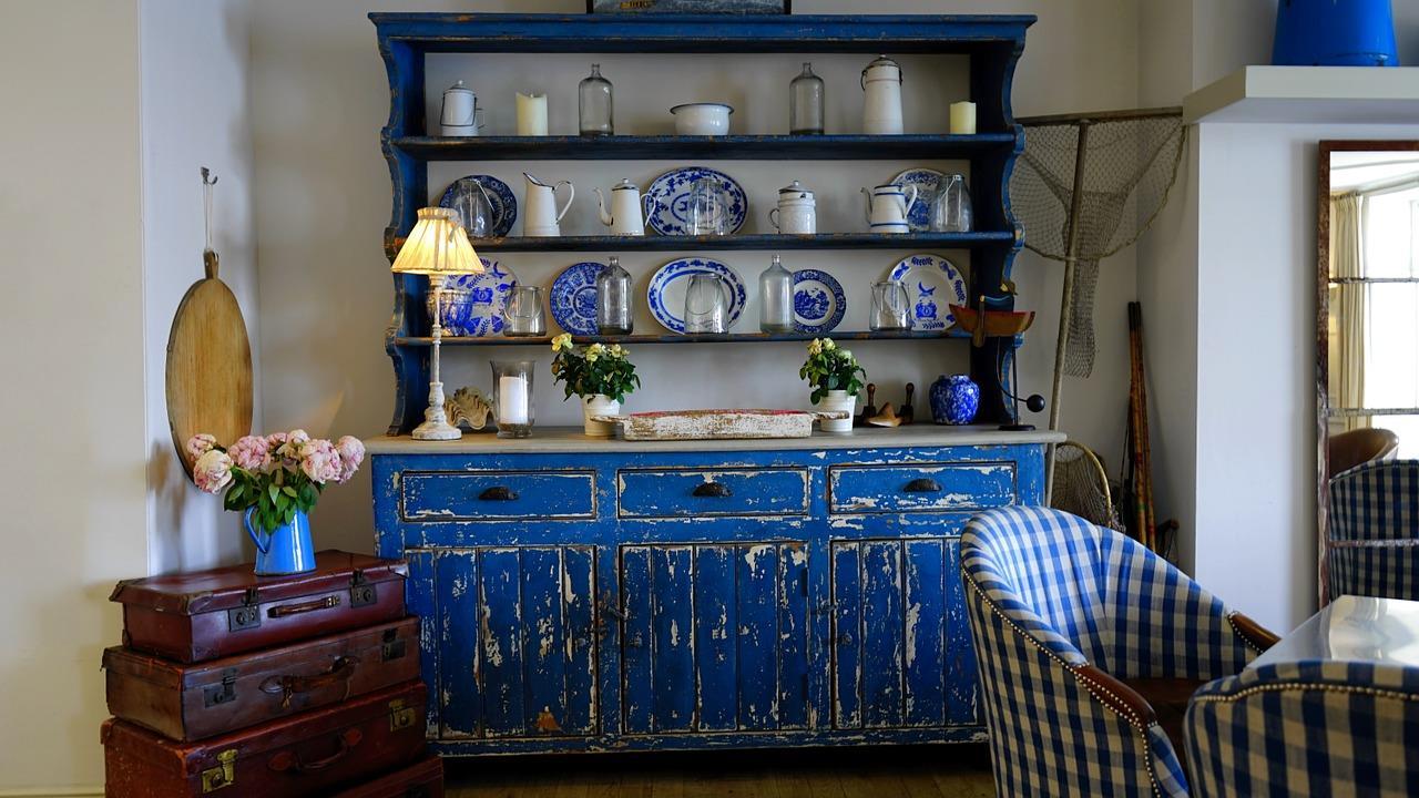 Mobile in legno blu