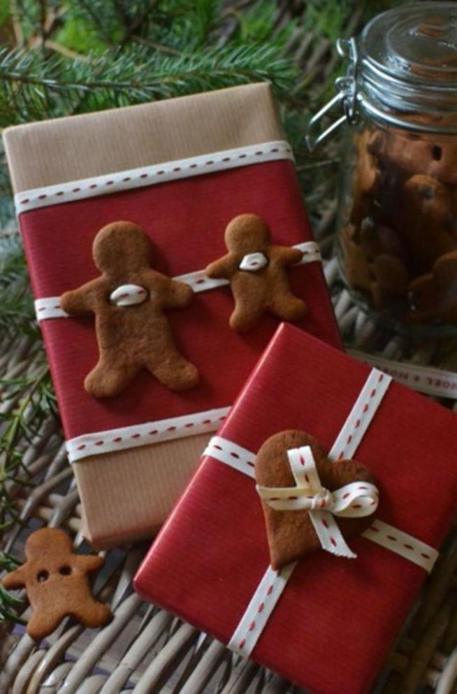 Pacchetti di Natale con i biscotti