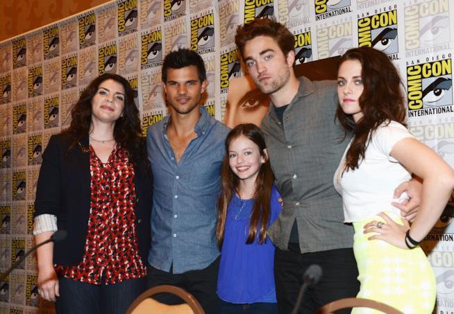 Mackenzie Foy, Stephenie Meyer, Taylor Lautner, Robert Pattinson, Kristen Stewart