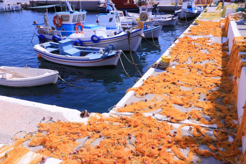 Scorcio del porto, con reti da pesca