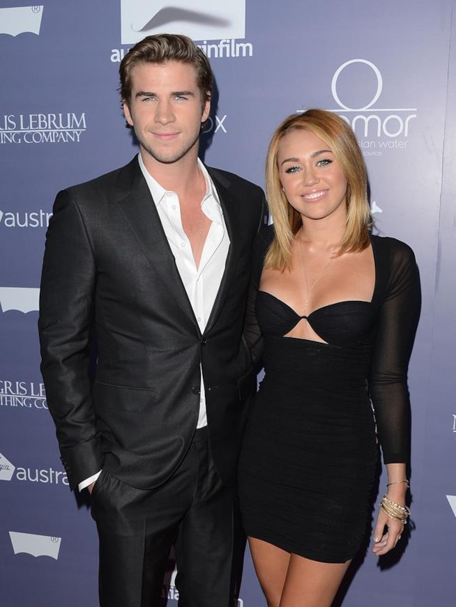 Una vecchia foto di Liam Hemsworth e Miley Cyrus