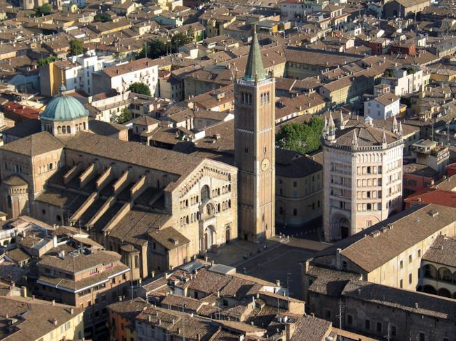Piazza Duomo a Parma vista dall'alto