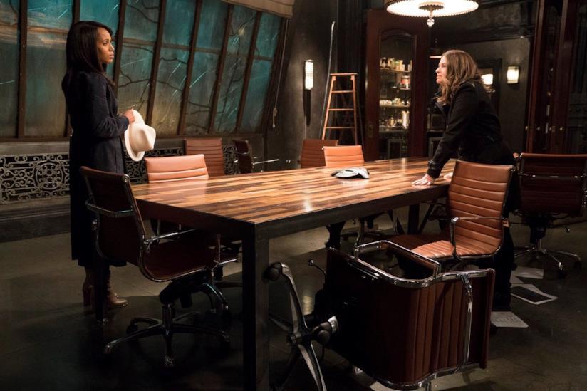 Olivia e Quinn in una scena di Scandal 7
