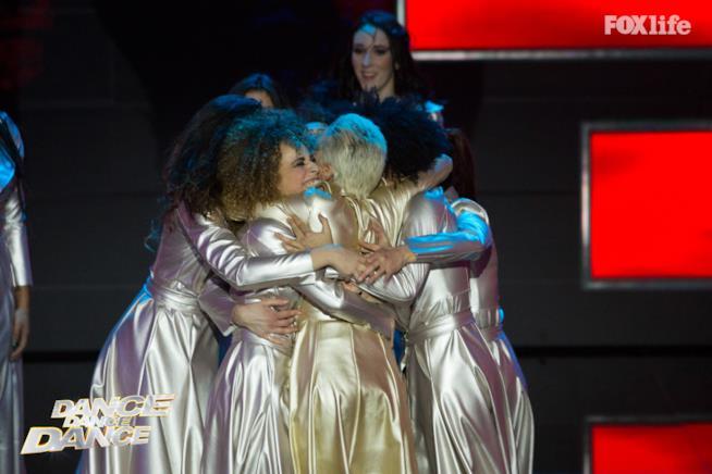 Giulia Provvedi e i ballerini di Dance Dance Dance