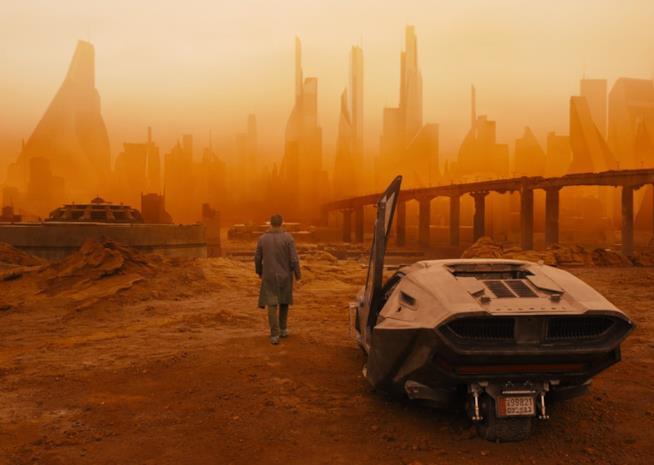 Una scena di Blade Runner 2049 ambientata nel deserto