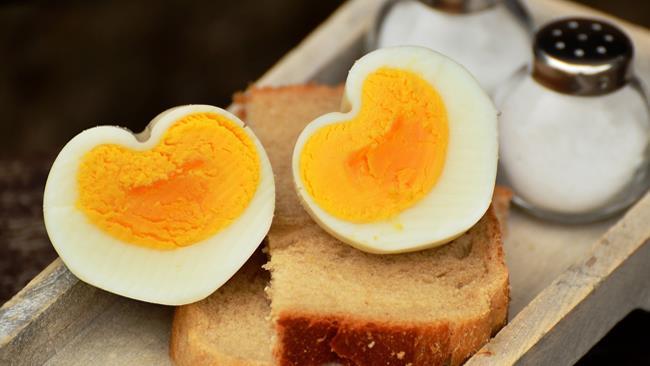 Cibo e infarto: ammesse le uova