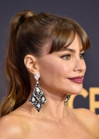 Il viso di Sofia Vergara sul red carpet degli Emmy
