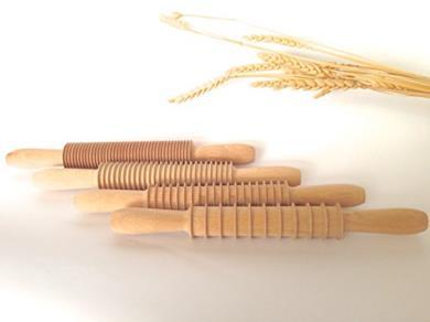 Mattarelli in legno per la pasta fresca
