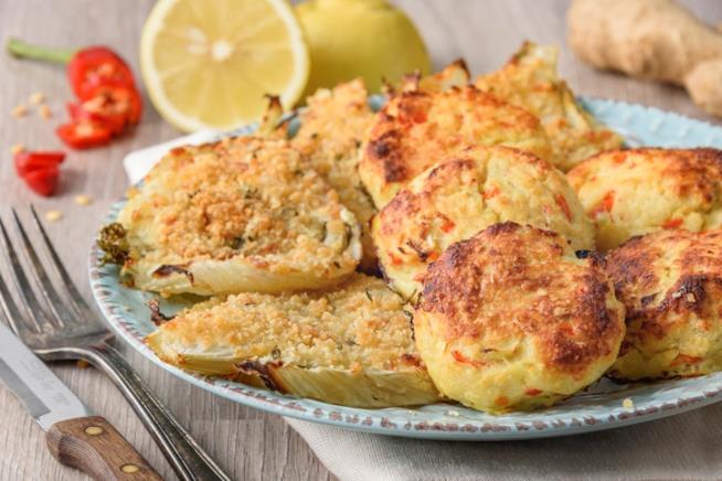 Piatto di pesce e verdura al forno