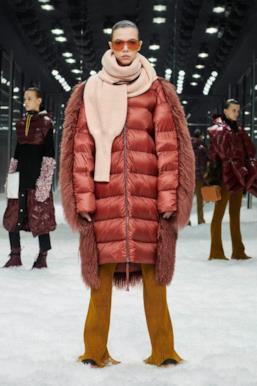 Sfilata MONCLER Collezione Donna Autunno Inverno 19/20 Milano - 55