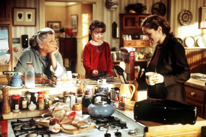 Scena di Giudice Amy con Amy e sua madre in cucina